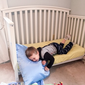 When To Move Your Toddler Into a Big Kid Bed